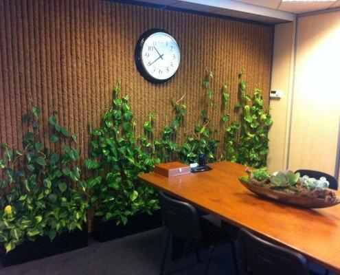 Vertikaler Garten mit luftreinigenden Pflanzen