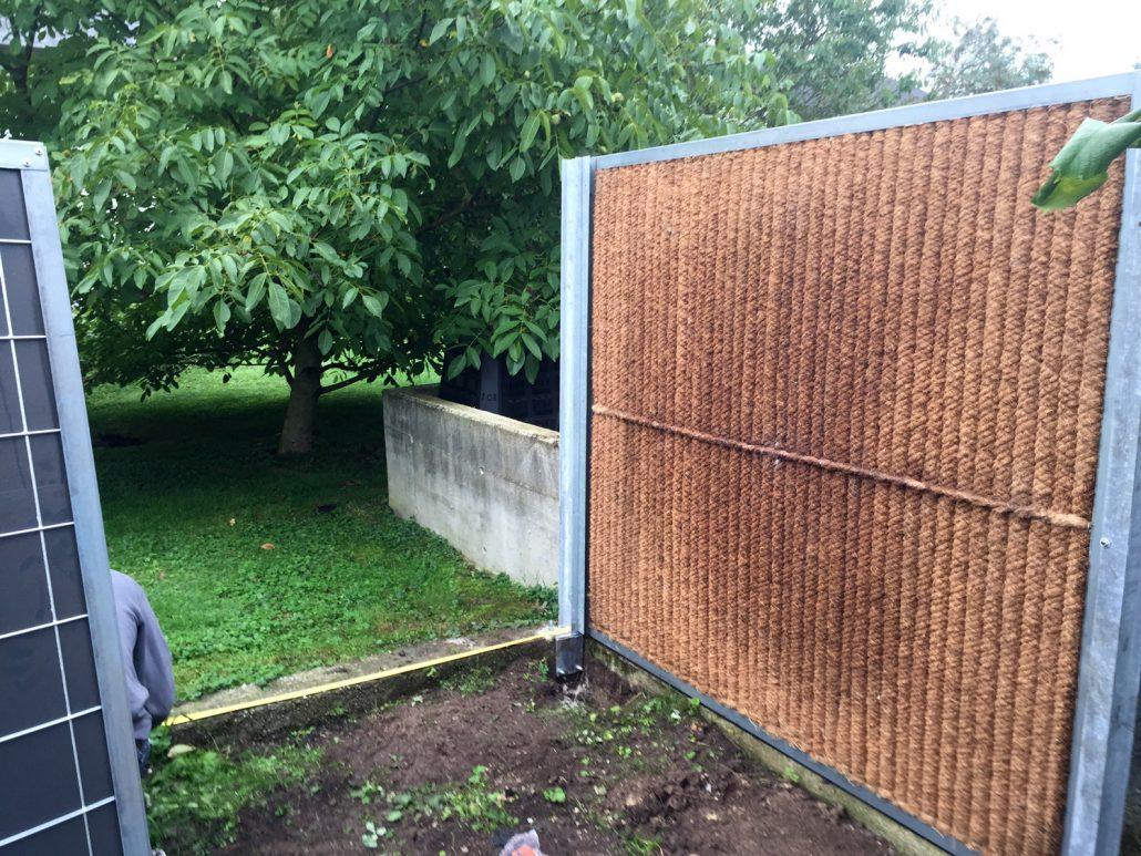 Lärmschutzwand Auf Einer Mauer