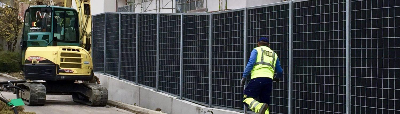 Aufbau einer KokoWall Hochabsorbierender Lärmschutzwand bei Porr @ MC-Donalds & EGW Wohnbau.