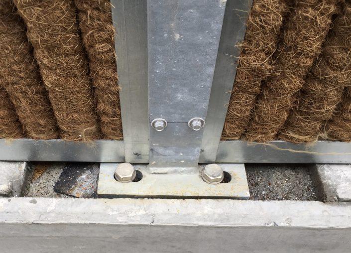 Lärmschutzwand KokoWall-HA Montage auf einer Mauer